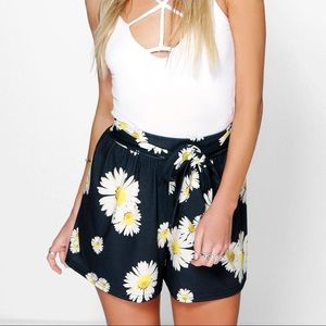 Daisy Flow Shorts